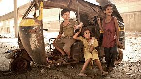 Slumdog-Millionaire-10.jpg